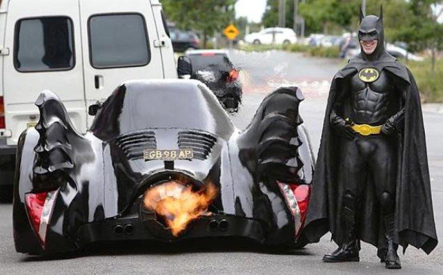 Australas pasigamino Betmeno automobilį