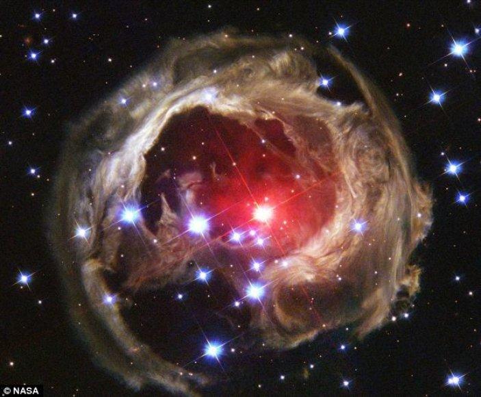 Žvaigždė V838 Mon