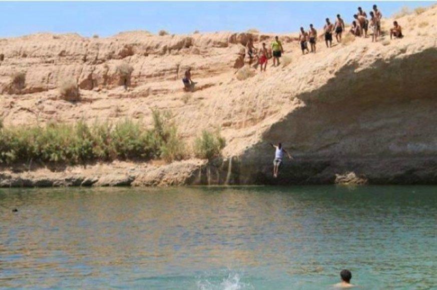 Iki šiol niekas negali paaiškinti, kaip viduryje dykumos atsirado ežeras