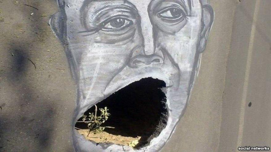 Saratovo gubernatoriaus Valerijaus Radajevo karikatūra