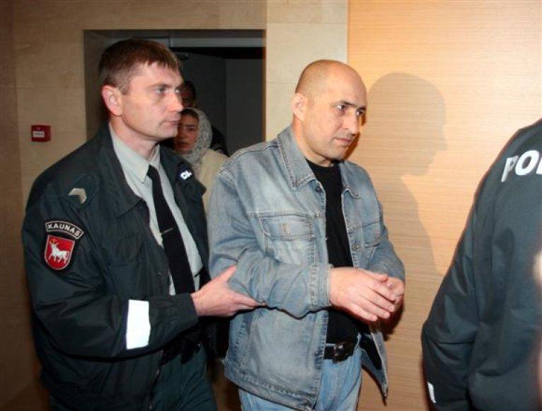 Prokurorai įsitikinę, jog sutuoktiniams Gatajevams teismo paskirta bausmė - 10 mėnesių nelaisvės - yra per švelni.
