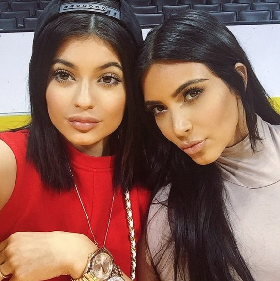 Kylie Jenner ir Kim Kardashian