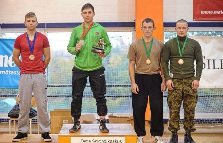 Du lietuviai ant nugalėtojų pakylos: 1 vt. Ričardas Ivanovas; 3 vt. Brendonas Kuodis