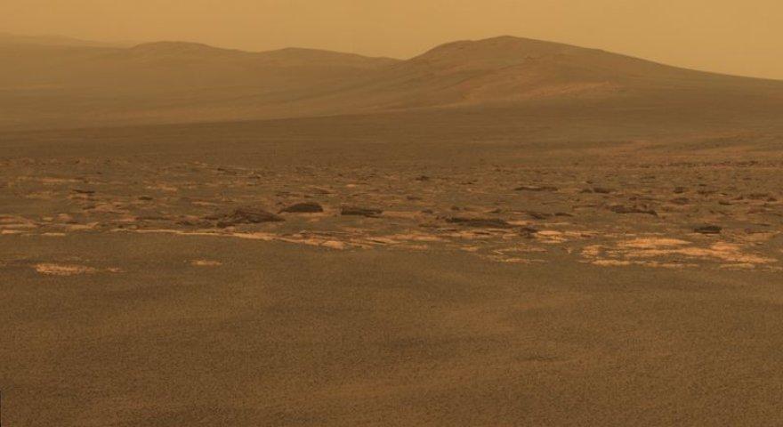 """Marso peizažo nuotrauka, kurią į Žemę perdavė aparatas """"Mars Exploration Rover Opportunity"""""""