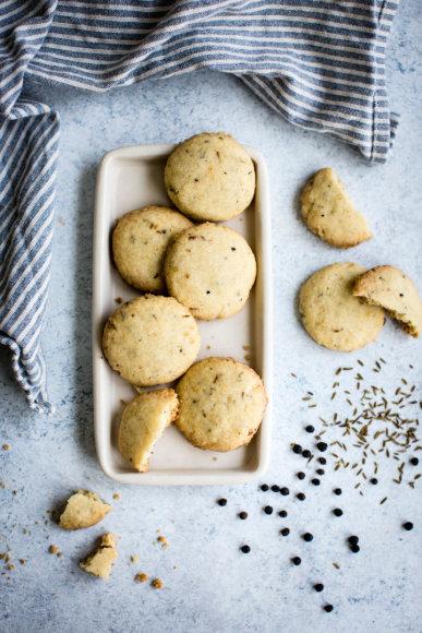 Sausainiai su prieskoniais