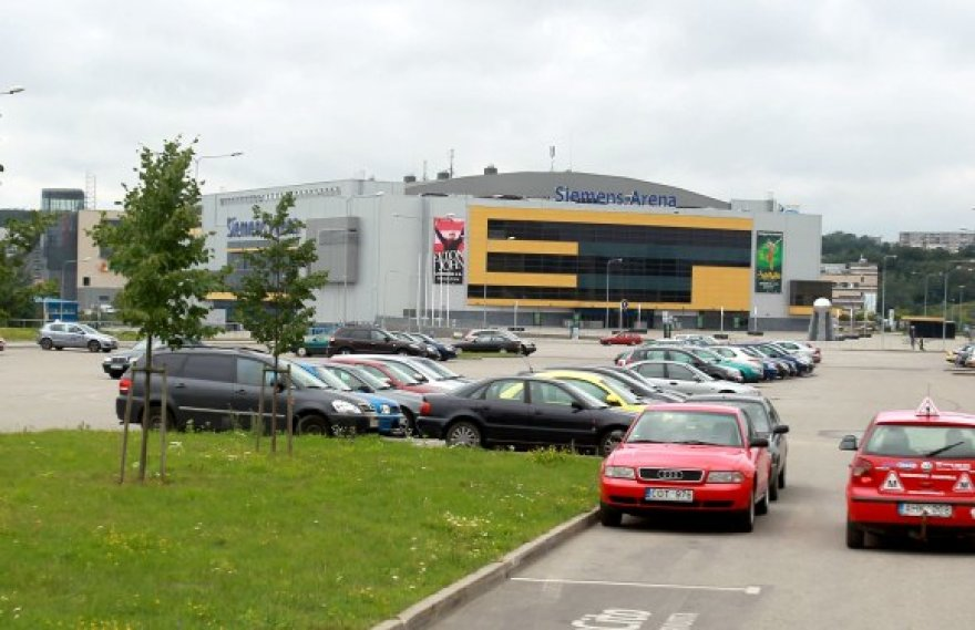 Sirgalių automobiliams šalia arenos bus palikta tik apie tūkstantis vietų, kitas užims čempionato organizatoriai ir komandos.