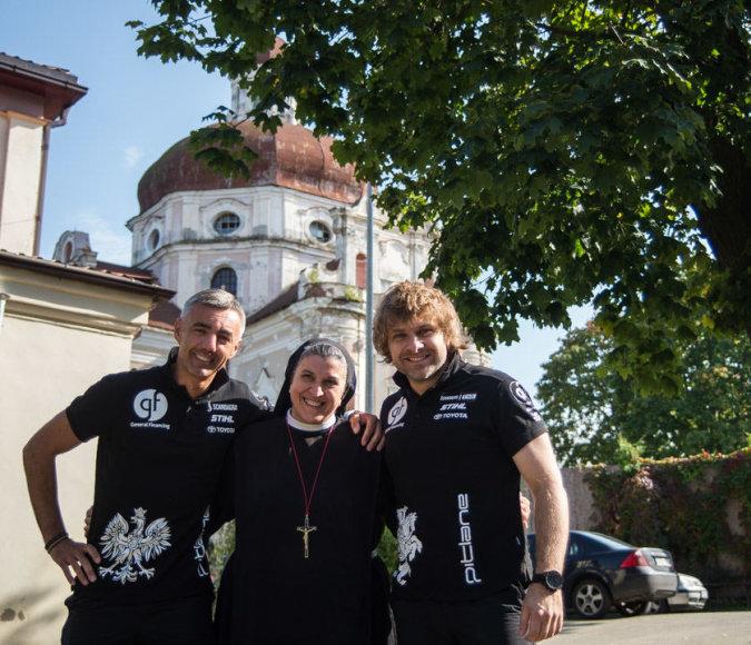 B.Vanagas ir S.Rozwadowskis su seserimi Michaela Rak (J.Anusauskienės nuotr.).