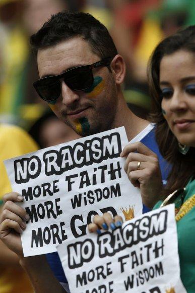 Protestuotojai prieš rasizmą