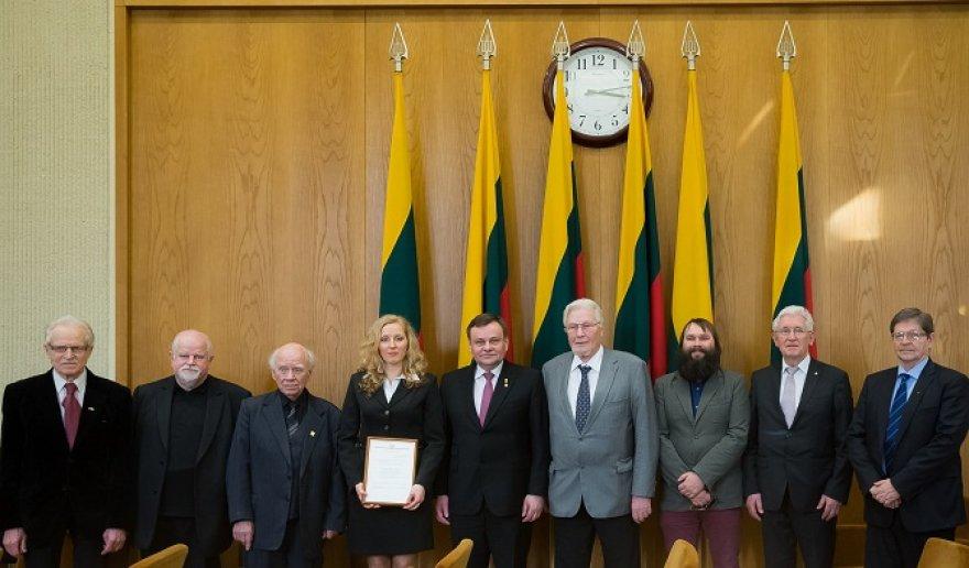 Istorikei Laimai Bucevičiūtei įteikta Nepriklausomybės stipendija