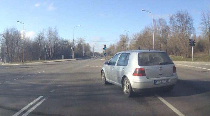 VW Golf pažeidimas