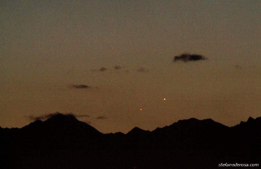 Marsas ir Merkurijus, matomi virš Alpių Italijoje, Turine.
