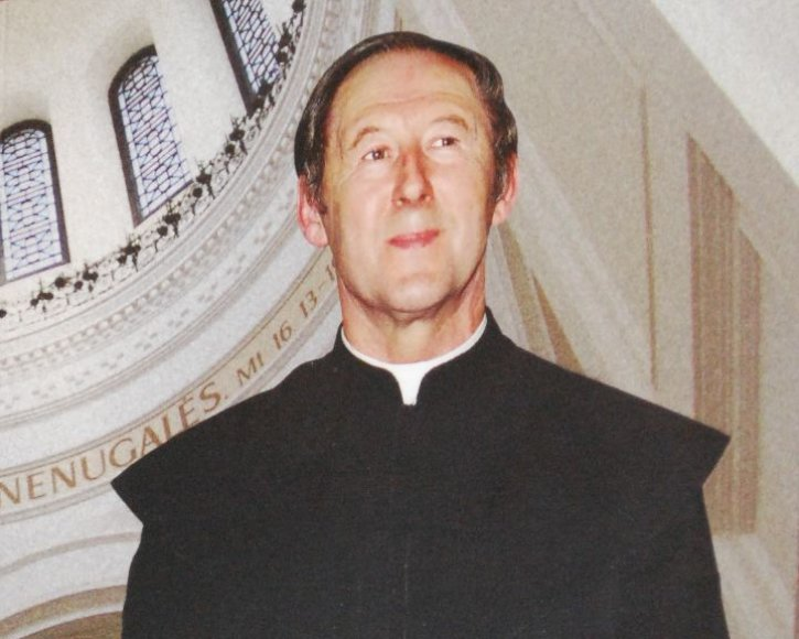 Kunigas Ričardas Mikutavičius