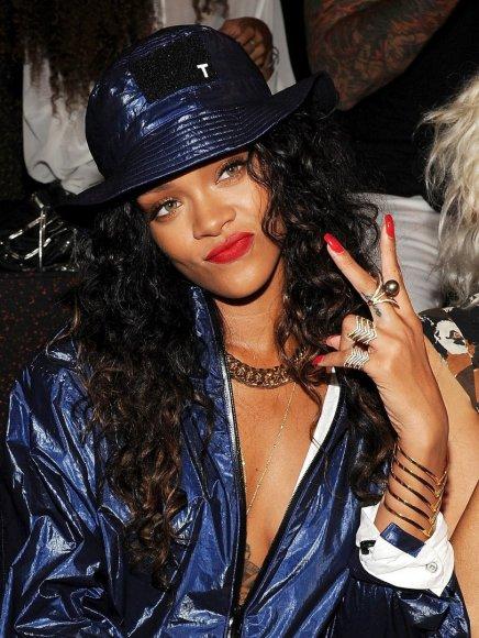 5 vieta – 26-erių Rihanna (48 mln. JAV dolerių)