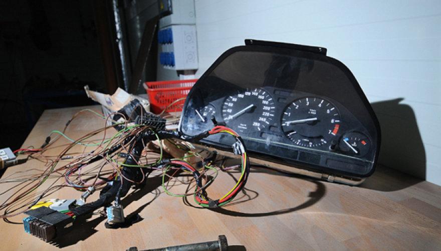 BMW 5 prietaisų skydelis
