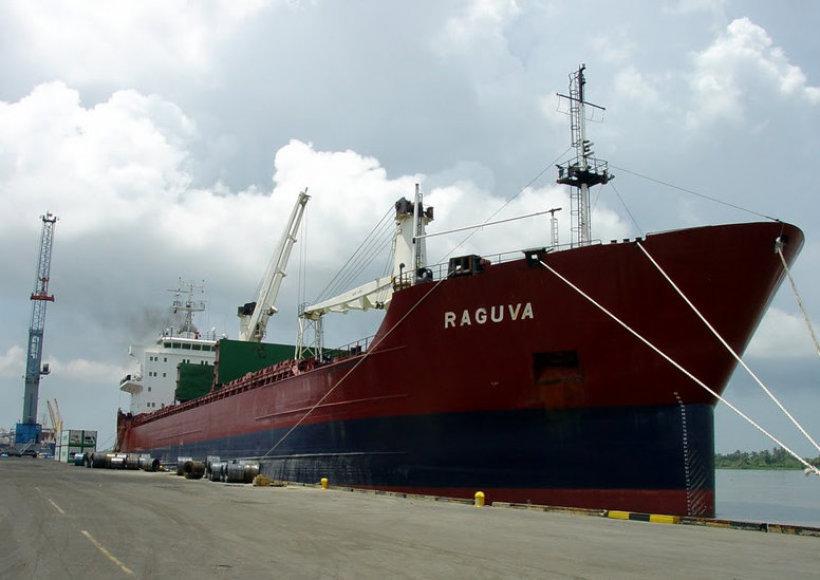 """Bendrovei """"Lietuvos jūrų laivininkystė"""" priklausantis laivas """"Raguva"""""""