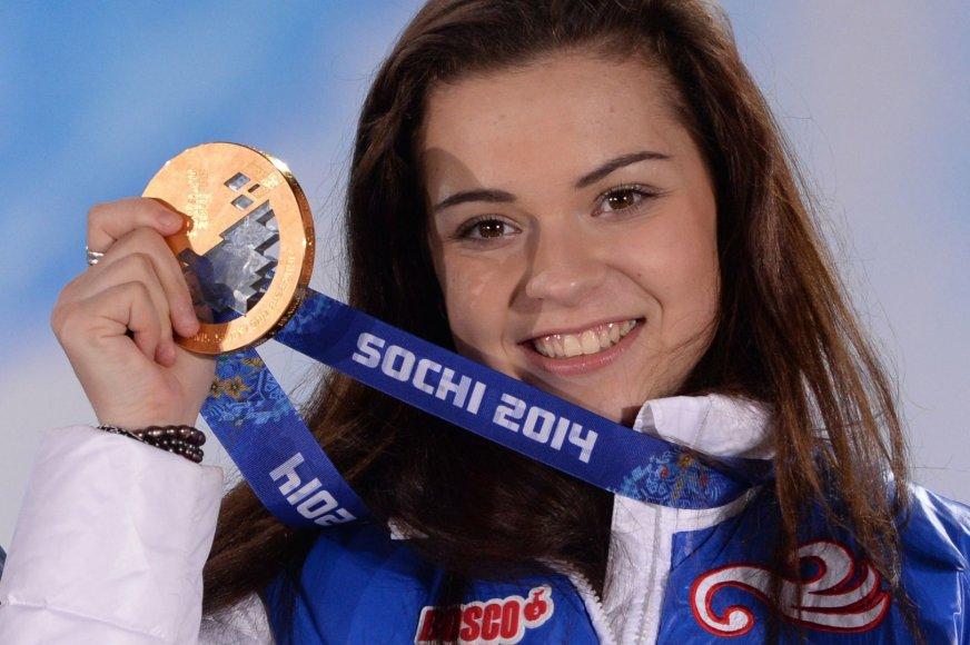 Viena Rusijos aukso medalininkių – čiuožėja Adelina Sotnikova
