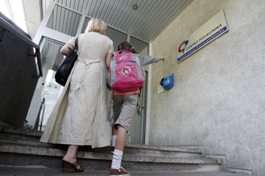 Sveikatos pažymą į mokyklą reikia atnešti iki rugsėjo 15 dienos.