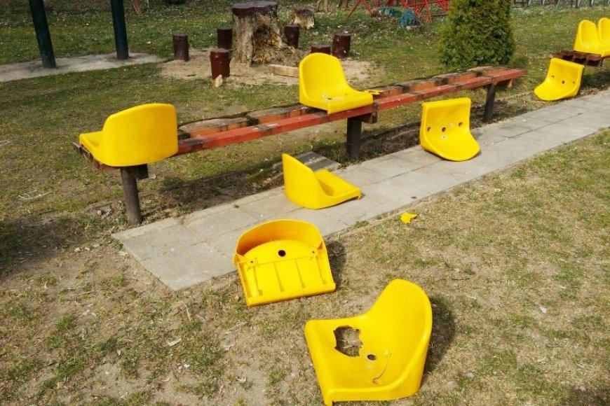 Vilniaus Vingio parke esantį regbio stadioną nusiaubė vandalai