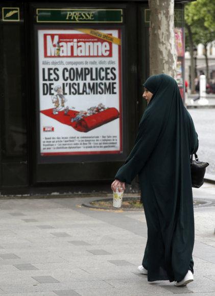 Musulmonė Paryžiaus gatvėje