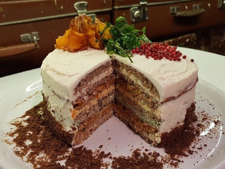 """Netradicinis kepenėlių tortas """"Istorija"""""""