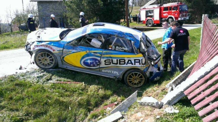 Dominyko Butvilo automobilis po avarijos