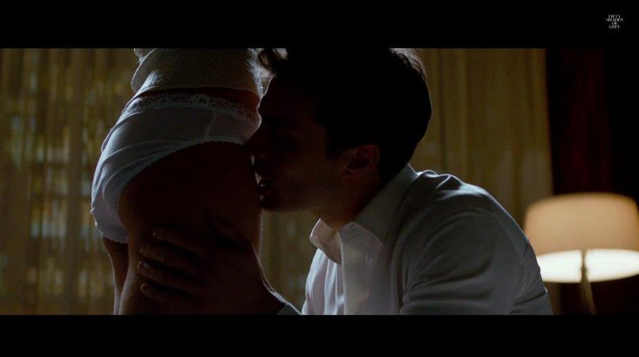 """Jamie Dornanas ir Dakota Johnson filme """"Penkiasdešimt pilkų atspalvių"""""""