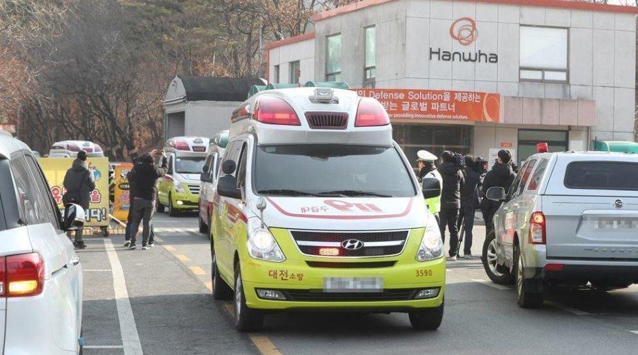 Pietų Korėjoje per sprogimą gamykloje žuvo trys žmonės