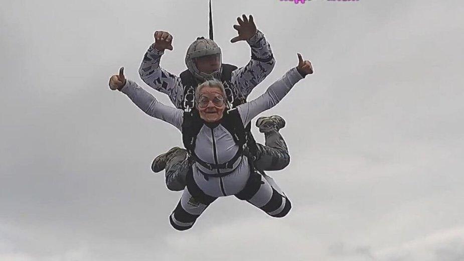 CS:GO transliuotojos šuolis parašiutu