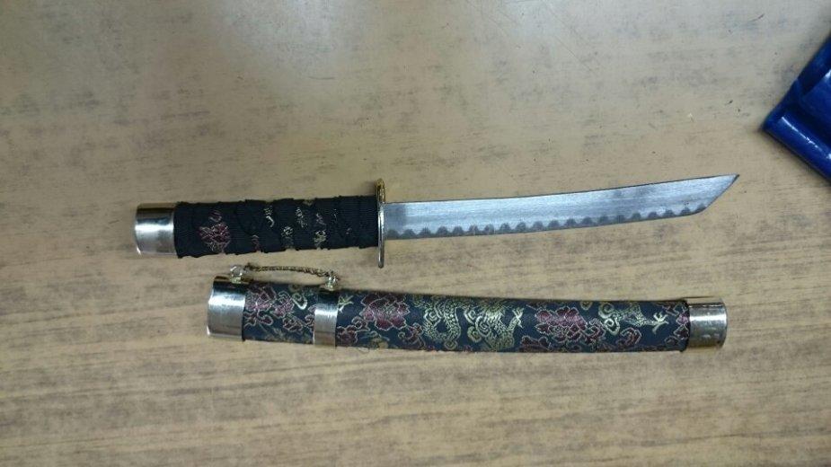 Muitinės pareigūnai aptiko durklą, iš pirmo žvilgsnio panašų į japoniškąjį vakizaši
