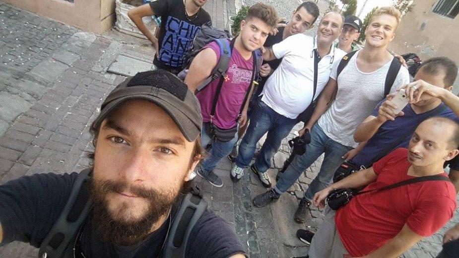 Vidmantas Balkūnas ir Paulius Ramanauskas su pabėgėliais Izmire (Turkija)