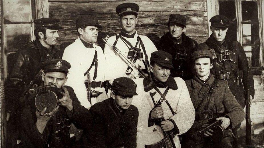 Pietų Lietuvos srities partizanai pakeliui į Lietuvos partizanų vadų susirinkimą.