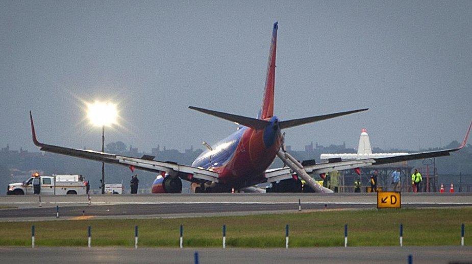 """""""Boeing 737"""" Niujorko oro uoste"""