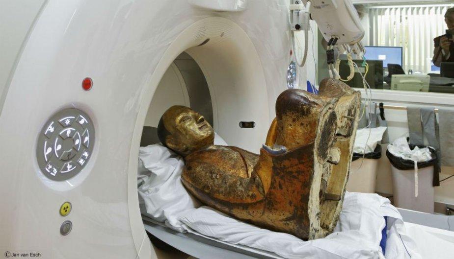 Mumifikuotos vienuolio liekanos buvo įdėtos į Budos statulą