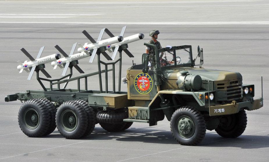 """Izraelio gamybos raketos """"Spike"""""""