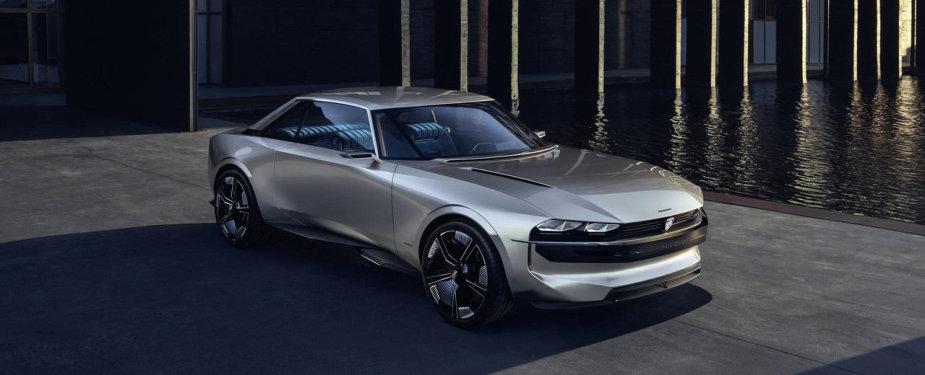 "Elektrinis ""Peugeot e-Legend Concept"""