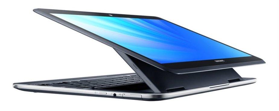 """Hibridinis kompiuteris """"Ativ Q"""", kuriame įdiegtos dvi operacinės sistemos – """"Windows 8"""" ir """"Android 4.2.2""""."""