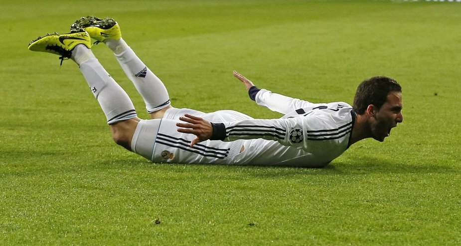 Gonzalo Higuainas pelnė trečiąjį komandos įvartį