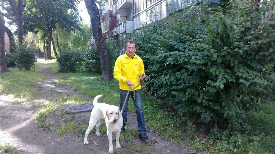 R.Vekerotas mėgsta ne tik pasivaikščioti, bet ir pabėgioti su ištikimu kompanionu Bartu.