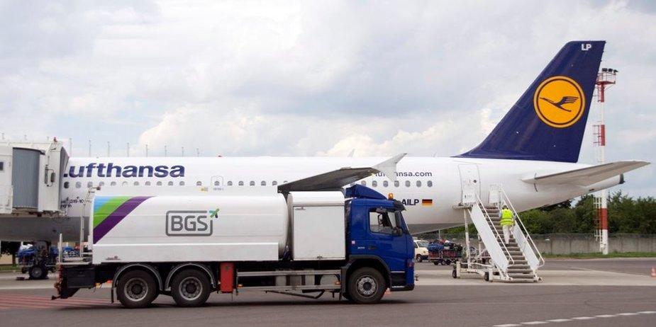 """""""Baltic Ground Services"""" pasirašė sutartį su """"Lufthansa Group"""" tiekti degalus trijuose didžiausiuose Lenkijos oro uostuose"""