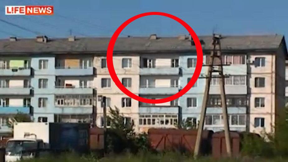 В этом доме малышки прожили с убитой матерью неделю. Фото с видео LifeNews