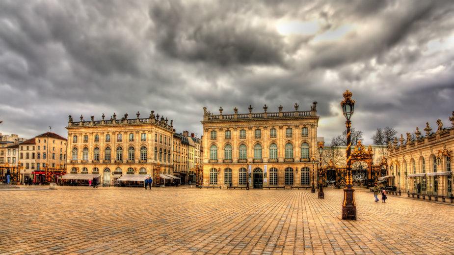 123RF.com nuotr./Stanislavo Leščinskio aikštė. Nancy, Prancūzija. 1738 m. S.Leščinskis atsisakė pretenzijų į ATR sostą. Po to gyveno Prancūzijoje, jos karaliaus iki gyvos galvos buvo paskirtas Lotaringijos ir Baro kunigaikščiu. Pastatydino rūmų, įkūrė parkų. Jo Nancy įsteigtą St