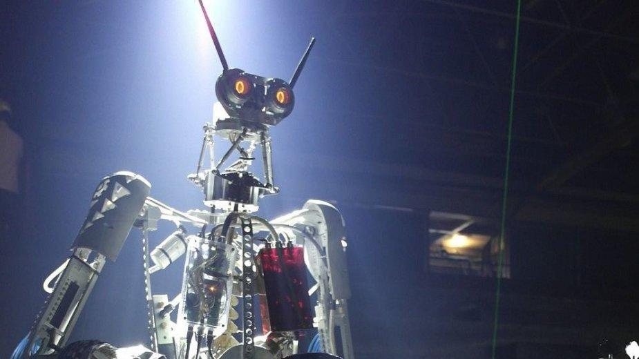 """Pirmą albumą pristatę """"Compressorhead"""" robotai papasakojo, kodėl atsisakė groti su SEL"""