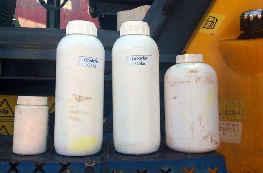 Nelegalūs pesticidai
