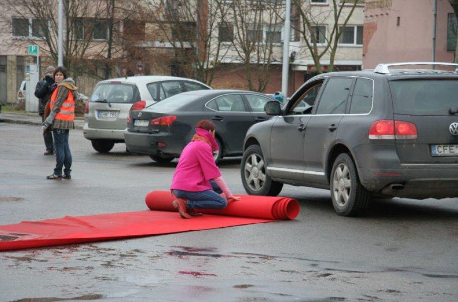 Olandų menininkų surengta akcija Kaune buvo nufilmuota ir tapo filmu.