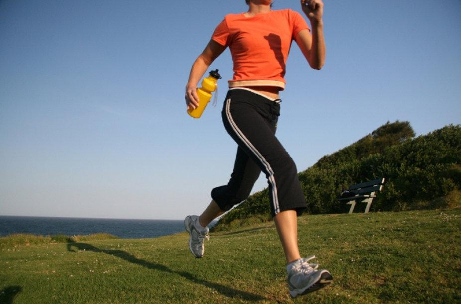 Bėgioti reikia mažiausiai valandą