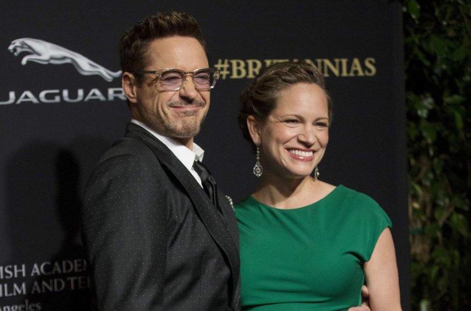 Robertas Downey jaunesnysis su žmona Susan