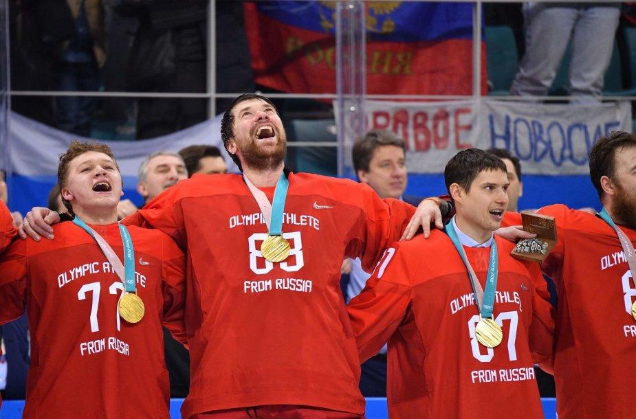 Rusijos sirgaliai su ledo ritulininkais šventė olimpinį auksą.