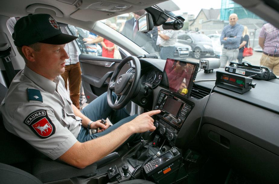 Naujas kelių policijos automobilis