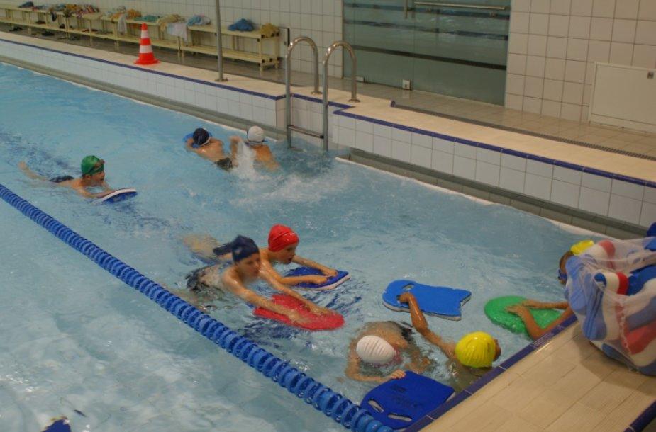 Klaipėdiečių šeimos raginamos bent kartą apsilankyti baseine.