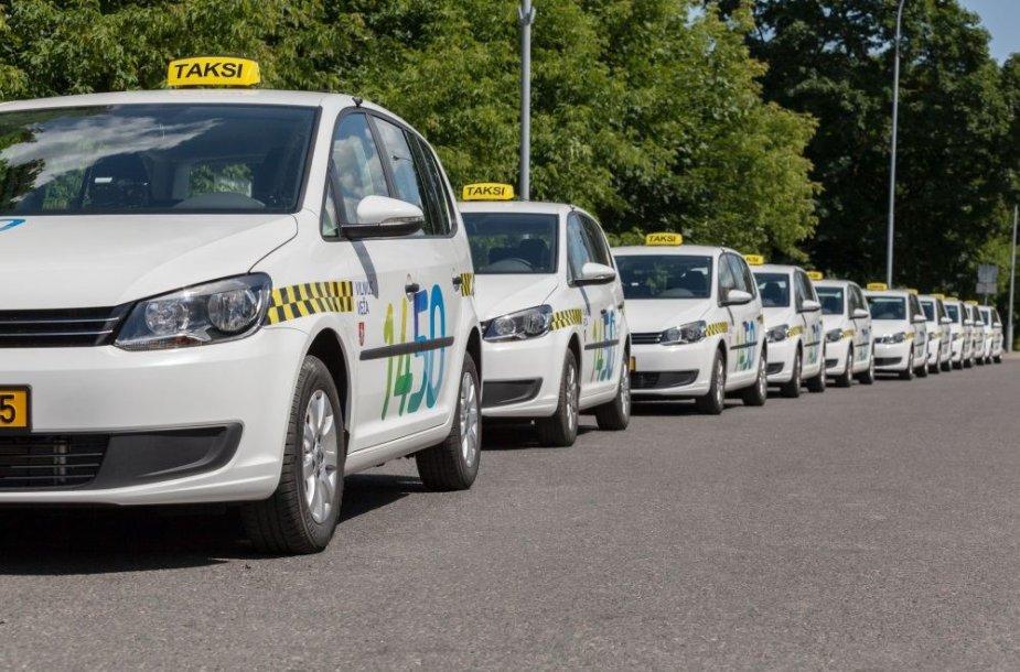 Naujieji taksi automobiliai
